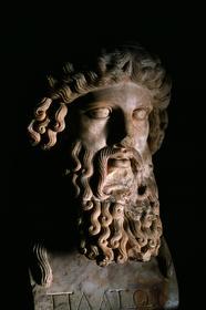 Платон (427-347 гг. до н. э) - древнегреческий философ, один из самых выдающихся мыслителей в мировой истории; ученик Сократа и основатель Платоновской Академии