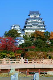 Замок белой цапли, один из древнейших в Японии, в 1993 году был занесен в Список всемирного наследия ЮНЕСКО